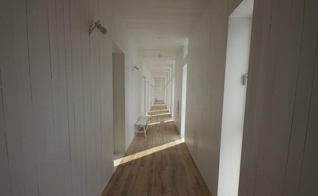 Le couloir : pas facile à décorer