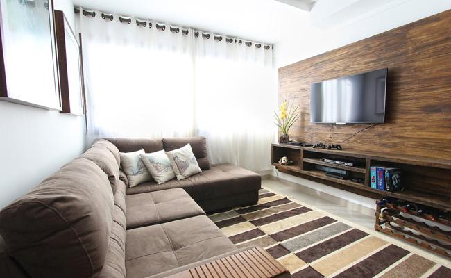 Salon avec meuble télé